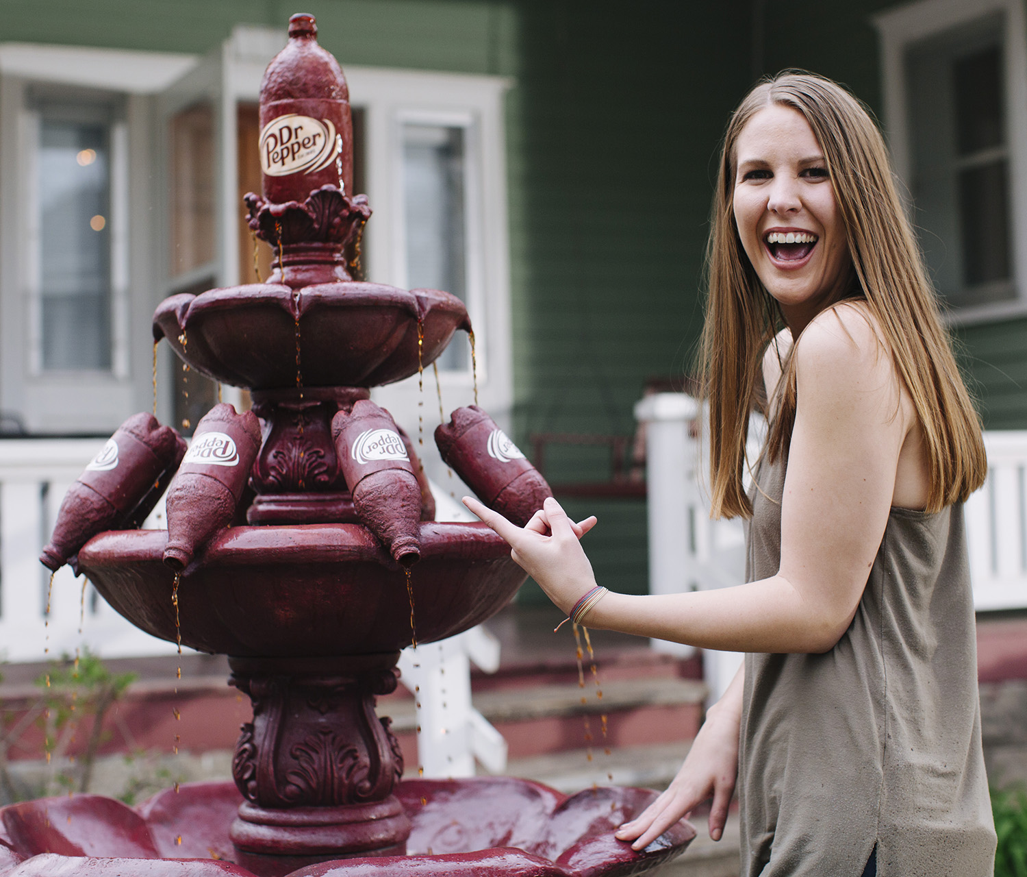 College student rewarded with life-size Dr Pepper fountain for front yard