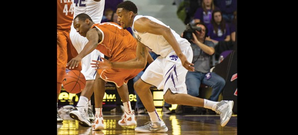 Wildcat big men improve front court game to defeat Longhorns