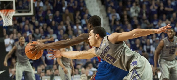 Out of reach: Wildcats unable to take down Jayhawks, fall by 4