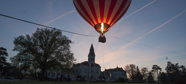 Hot air balloon takes K-State students to new heights
