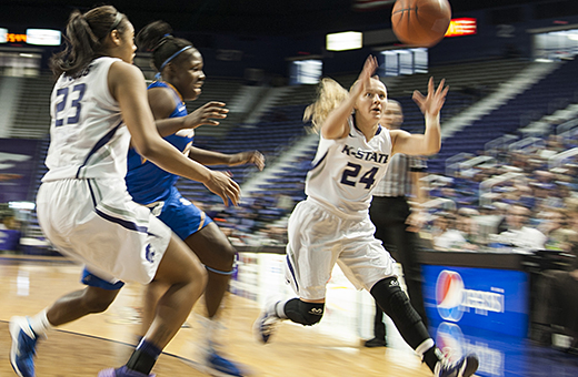 Women's basketball set to travel to Morgantown
