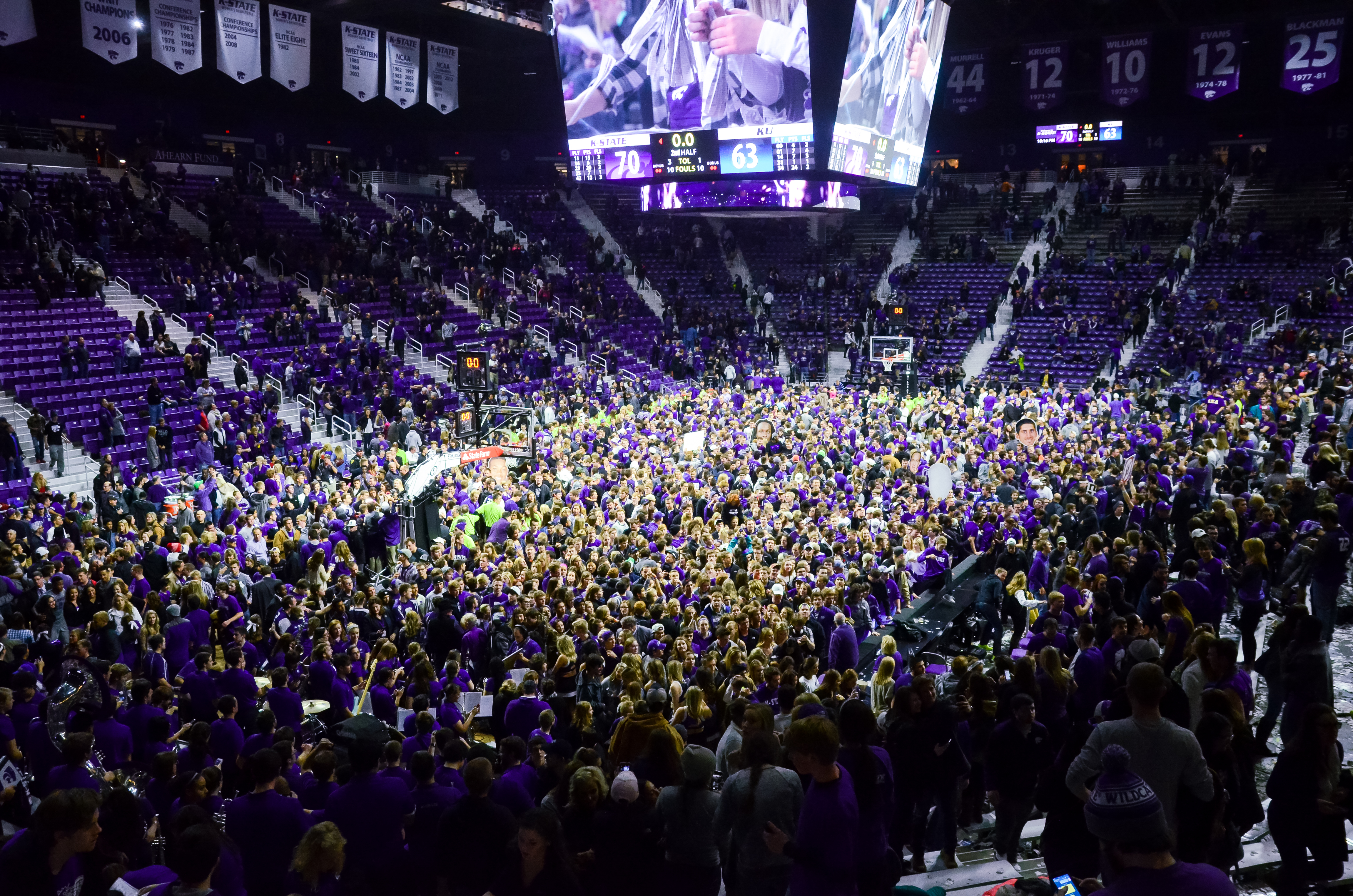 K-State Athletics issues apology for Monday's court ...