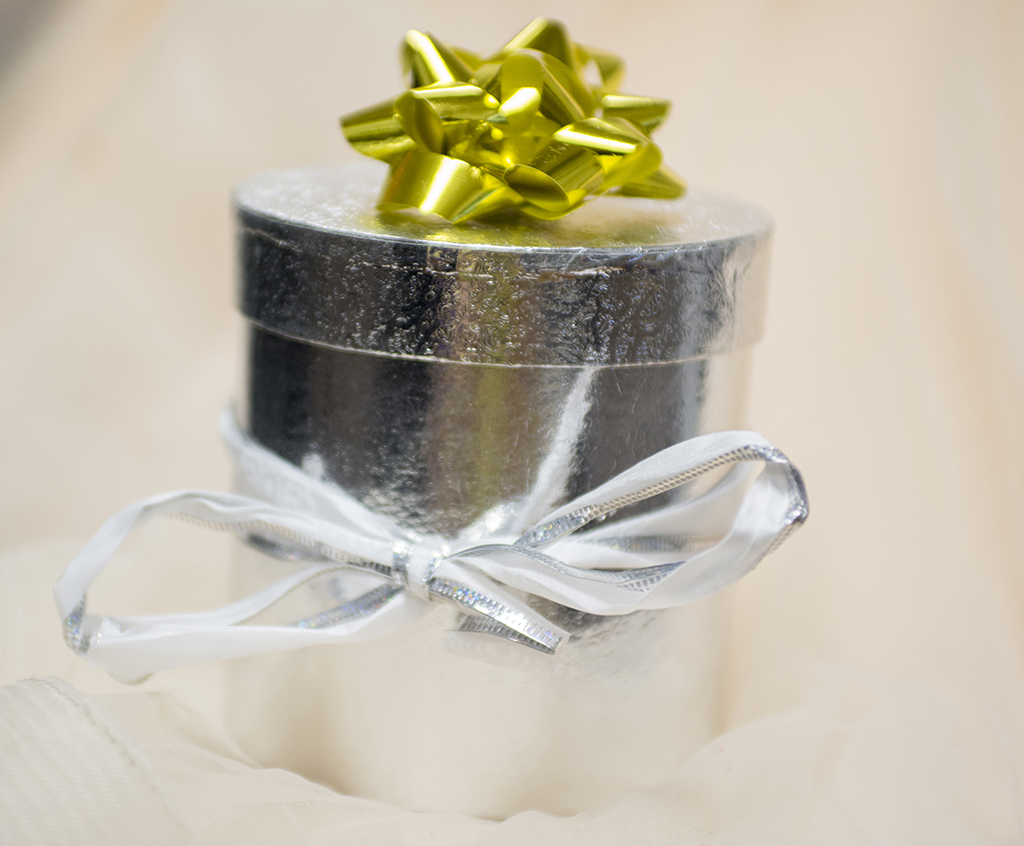 When preparing for the gift registry, couples have to take in ...