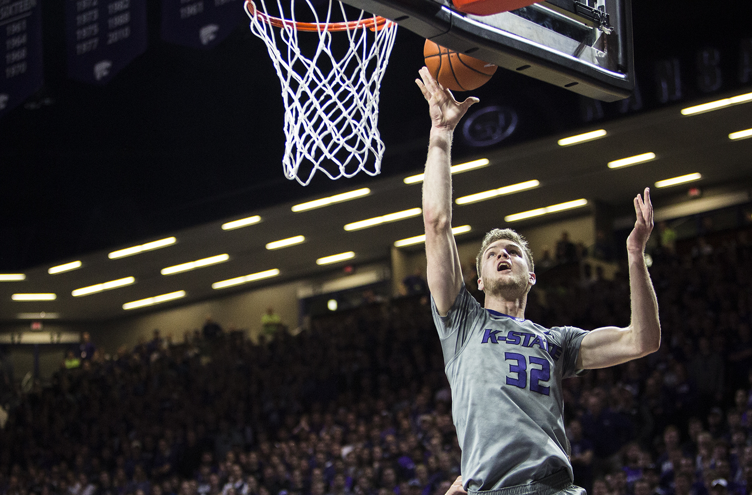 K-State men's basketball falls to Kansas in Sunflower ...