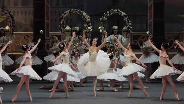 The_ballet_dancers.jpg