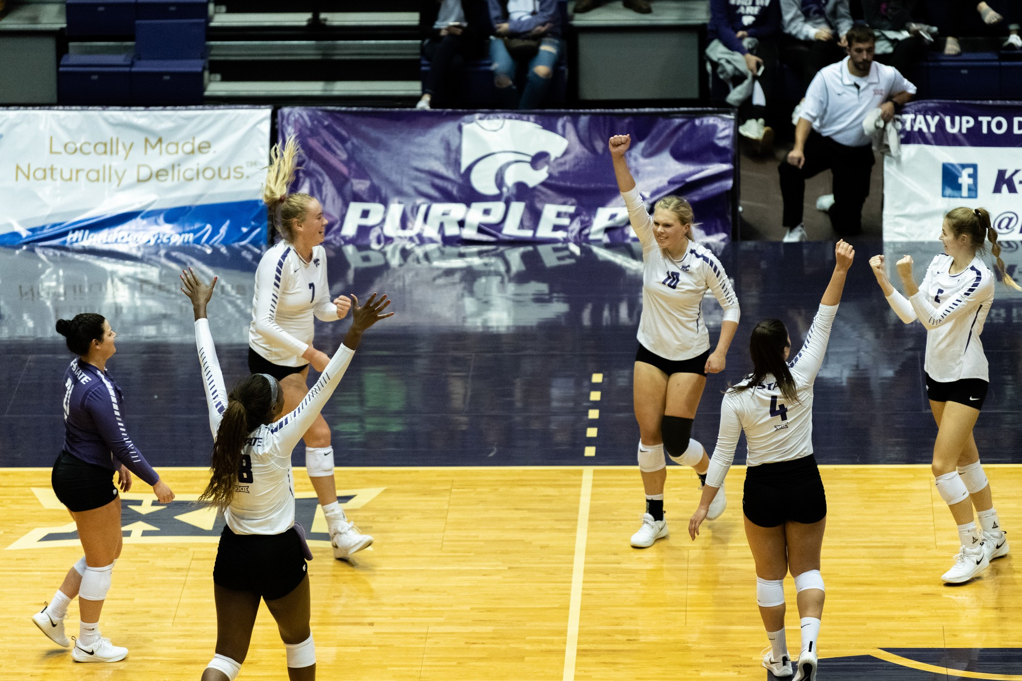 K-State volleyball sweeps Baylor for second straight Big 12