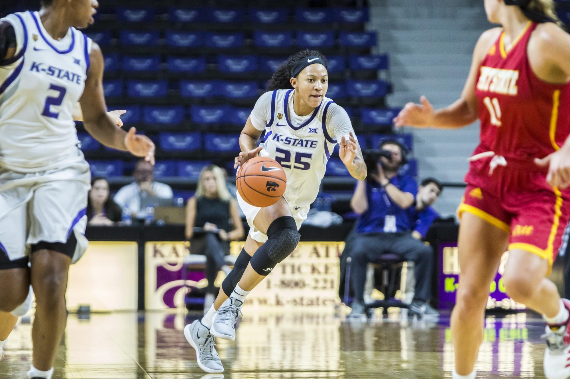 Women's Basketball Dominates No. 11 Texas 87-69 At Home