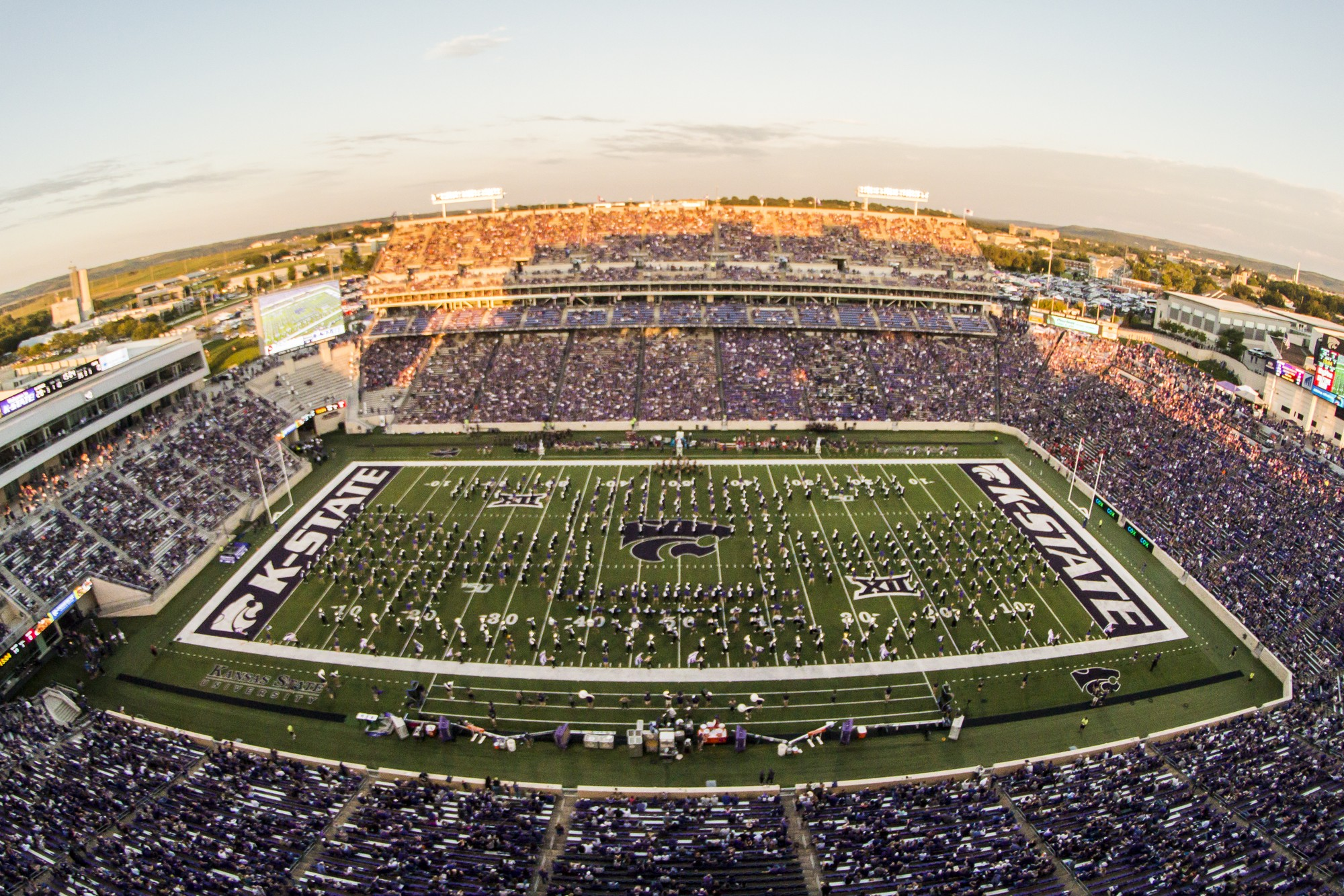 Riley County Commissioners Approved 25 Percent Seating Capacity For Bill Snyder Family Stadium The Collegian
