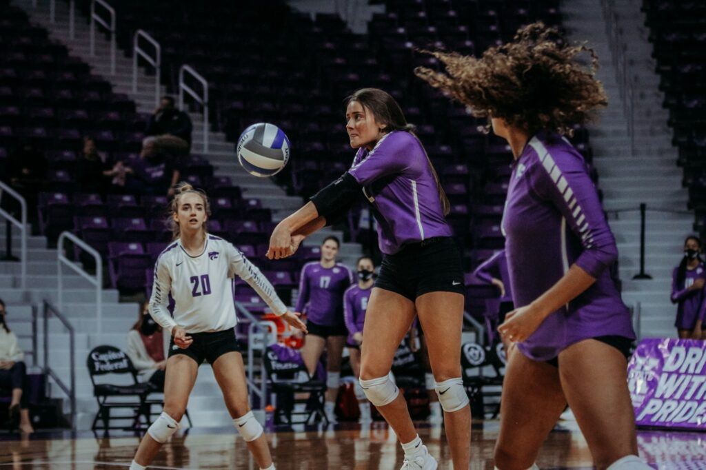 Sophomore defensive specialist Loren Hinkle eyes the ball during the Wildcats 3-2 victory over TCU on Saturday. (Sophie Osborn | Collegian Media Group)