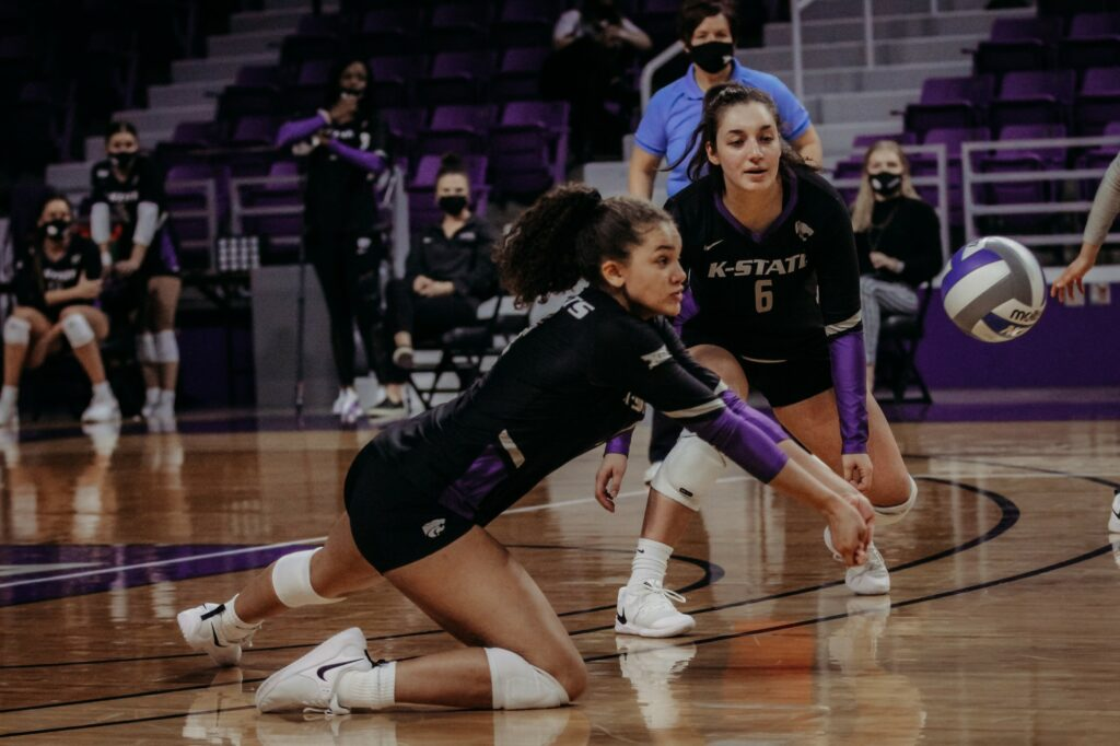 Freshman hitter Aliyah Carter records a dig in K-State's 3-1 victory over Creighton on March 20, 2021. (Sophie Osborn | Collegian Media Group)